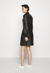 Bruuns Bazaar - PECAN ZADENA DRESS - Košilové šaty - black - 2