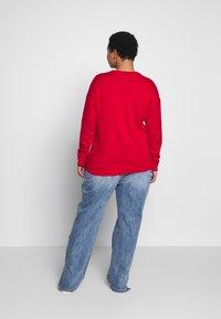 New Look Curves - CURVES XMAS PENGUIN FAMILY JUMPER - Jumper - red - 2