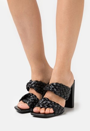 TWIST BLOCK HEEL  - Sandalias - black