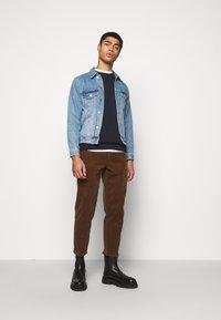 Han Kjøbenhavn - CASUAL CREW - Sweatshirt - mood indigo - 1