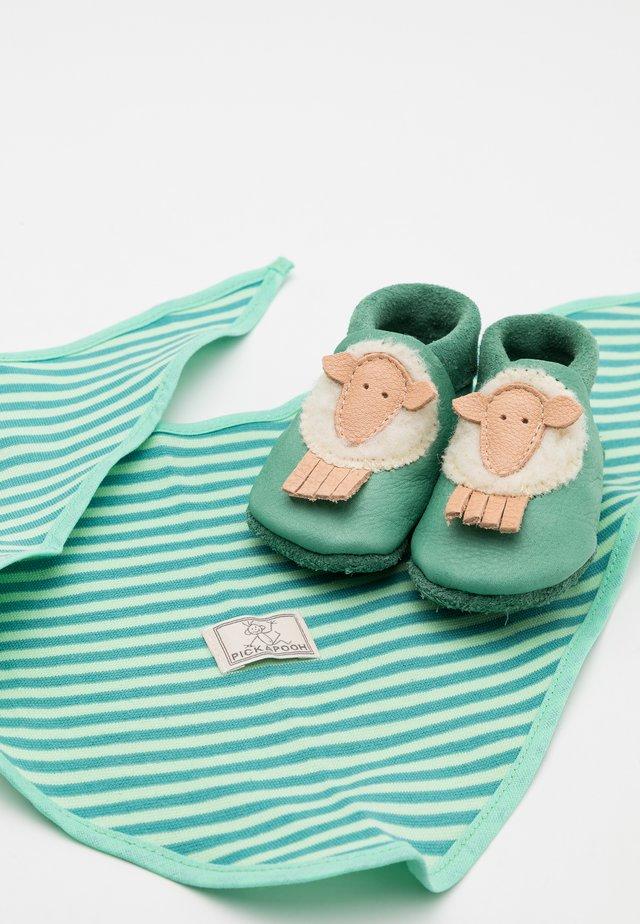 GIFT SCHAF UNISEX SET - Vauvalahja - grün