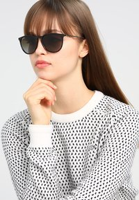 Ray-Ban - 0RB4171 ERIKA - Sunglasses - havana polar brown - 3