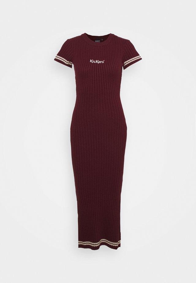 MIDI DRESS - Pletené šaty - burgundy