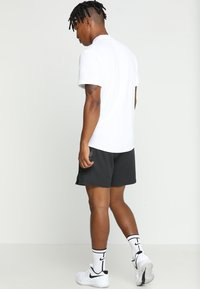 Nike Performance - DRY SHORT - Short de sport - black - 2