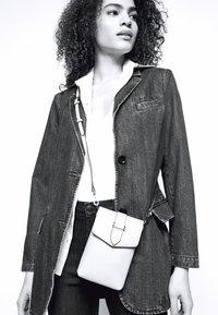 J Brand - MARIA HIGH RISE - Skinny džíny - concept - 4