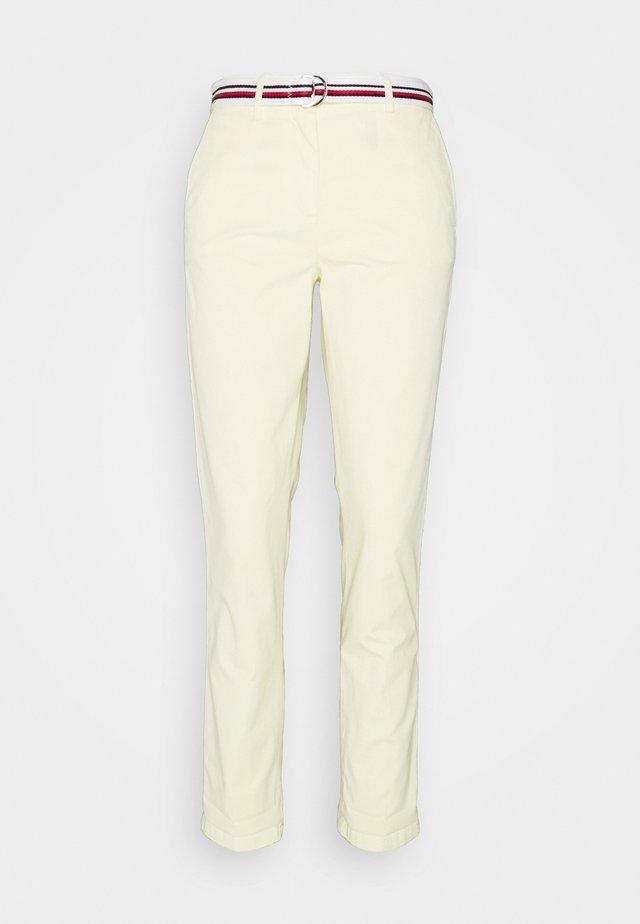 CHINO SLIM PANT - Chino kalhoty - frosted lemon