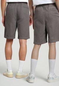 Napapijri - Shorts - grey gargoyle - 4