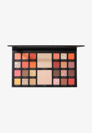 PRO THE BAKERY BOX EYESHADOW PALETTE - Eyeshadow palette - -