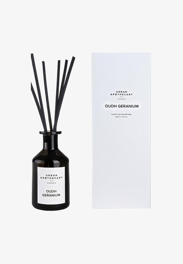 LUXURY DIFFUSER - Kamerparfum - oudh geranium