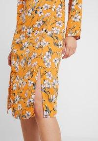 Even&Odd - Denní šaty - white/orange - 6
