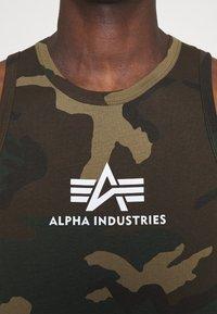 Alpha Industries - BASIC TANK - Toppi - mottled green - 3