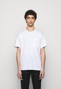 Filippa K - M. BRAD  - T-shirt basique - white - 0