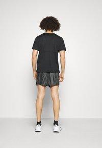 Nike Performance - SHORT - Sports shorts - black - 2