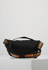 Urban Classics - SHOULDER BAG - Ledvinka - black/orange - 2