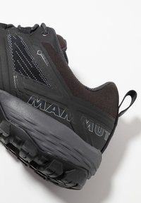 Mammut - DUCAN - Hiking shoes - black/dark titanium - 5