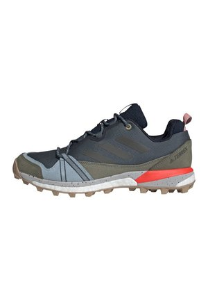TERREX SKYCHASER LT BLUESIGN HIKING SHOES - Pies de gato - blue