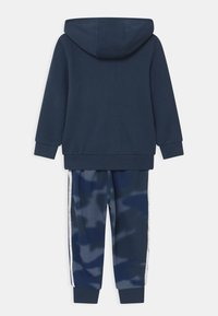 adidas Originals - CAMO HOODED SET UNISEX - Tracksuit - crew navy/crew blue - 1