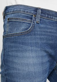 Lee - DAREN ZIP FLY - Jeans a sigaretta - broken blue - 3