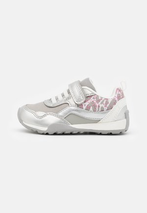 JOCKER PLUS GIRL - Sneakers basse - silver/white