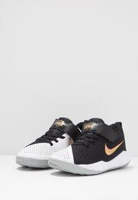 Nike Performance - TEAM HUSTLE QUICK 2 - Basketball shoes - black/metallic gold/light smoke grey/white - 3