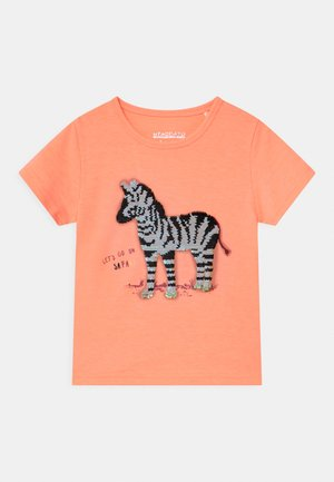 KID - Print T-shirt - light neon peach