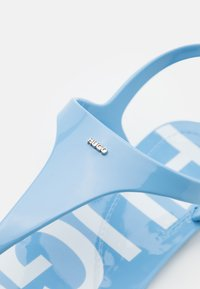HUGO - EMMA FLAT - Japonki - light/pastel blue - 6