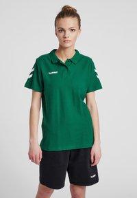 Hummel - Polo shirt - evergreen - 0