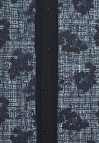 Henrik Vibskov - BETWEEN - Shirt - mint blue - 2
