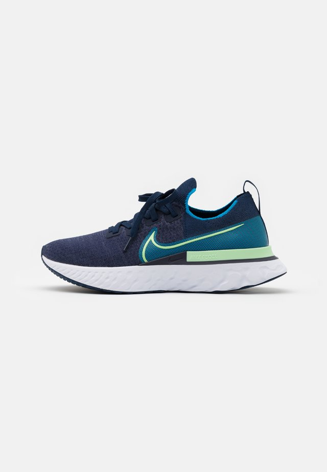 REACT INFINITY RUN FK - Neutral running shoes - college navy/cucumber calm/blue orbit/white