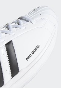 adidas Performance - PRO MODEL 2G SHOES - Basketbalschoenen - white - 8
