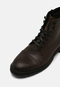 Vagabond - JOHNNY - Lace-up ankle boots - clay - 6