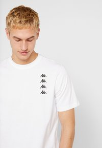 Kappa - GEWORG - T-shirt con stampa - bright white - 4