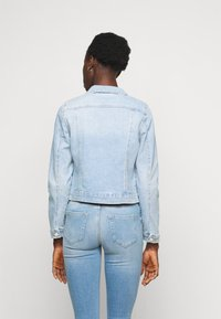 Vero Moda Tall - VMFAITH SLIM JACKET MIX - Jeansjakke - light blue denim - 2
