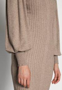 Moss Copenhagen - RACHELLE DRESS - Strikket kjole - dune melange - 4