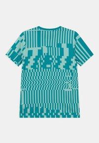 Nike Performance - DRY UNISEX - Print T-shirt - light dew/aquamarine/white - 1