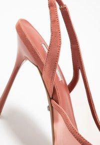 Topshop - FATE COURT SHOE - Zapatos altos - nude - 2