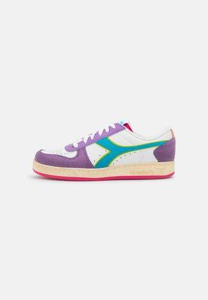 MAGIC BASKE ICONA - Sneakers laag - english lavender/white