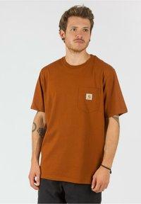 Carhartt WIP - Basic T-shirt - brandy - 0