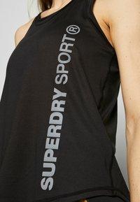 Superdry - TRAINING ESSENTIAL VEST - Camiseta de deporte - black - 5