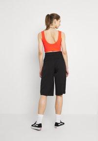 Monki - LUNA CULOTTE - Shorts - black dark - 2