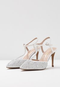 Alma en Pena - Classic heels - white - 4