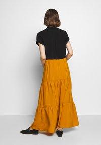 Sisley - SKIRT - Maxi sukně - mustard - 2