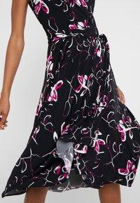 DKNY - HANDKERCHIEF DRESS - Jersey dress - black/berry - 5