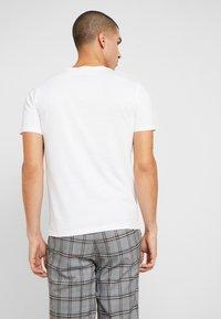 Volcom - CRISP EURO - Print T-shirt - white - 2