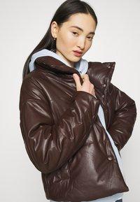 Monki - ODA - Jersey con capucha - blue - 3