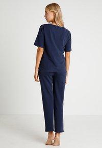 Tommy Hilfiger - TEE HALF - Pyjama top - blue - 2