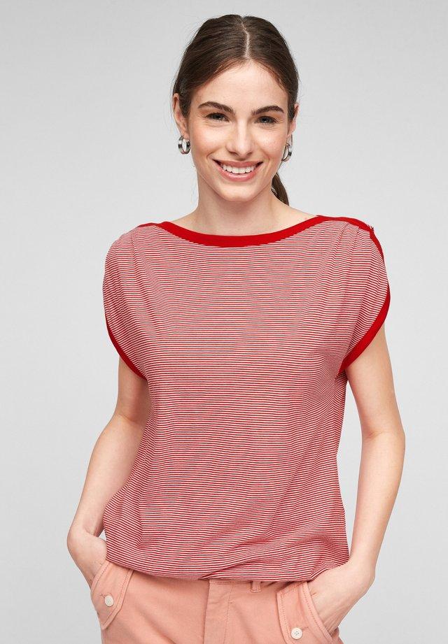 Print T-shirt - true red stripes
