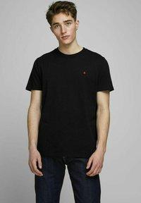 Royal Denim Division by Jack & Jones - JJ-RDD CREW NECK - T-shirt basic - black - 0
