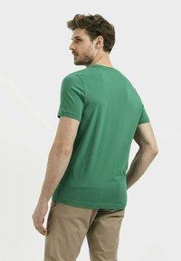 camel active - Print T-shirt - jungle green - 2