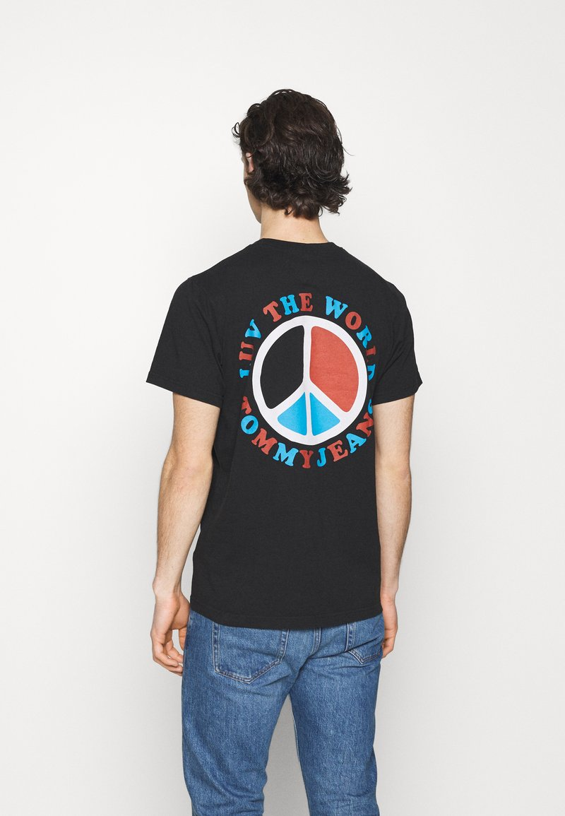 Tommy Jeans - LUV THE WORLD TEE - Print T-shirt - black
